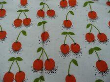 tissu vintage à décors de cerises 1,15 m x 3,50 m