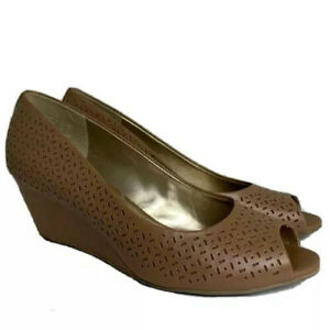 Comfort Life By Predictions Wedges Womens 10W Slip-on Peep Toe