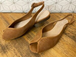 Dolce Nome Molly Perforated Peep-Toe Slingbacks Women's Flats EU 38 / US 7 Tan ~