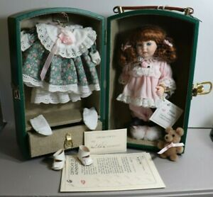 MARIE OSMOND TRUNK DOLLS COLLECTION VANESSA COMPLETE-BOX-TRUNK CLOTHES PAPERS