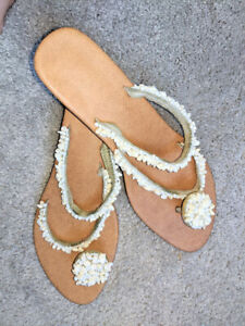 Beach Wedding Thong Wedge Sandals Stones beads slip on sz 8 Exc pre-owned cond
