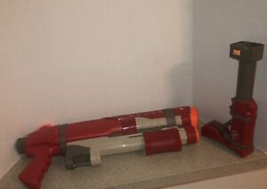 Nerf Red Super Soaker Shot Blast Hasbro Water Gun 2009 PUMP w/ shoulder stock