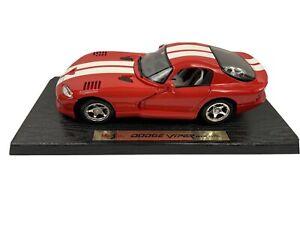 Maisto 1:18 Scale 96 Dodge Viper GTS Red Special Edition