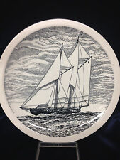 """WEDGWOOD HISTORICAL CANADIAN VESSELS BLUENOSE 1921 DINNER PLATE 10 1/2"""" SHIP"""