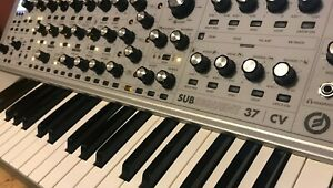 Moog SUBsequent 37 CV Limited Edition Paraphonic Analog Synth