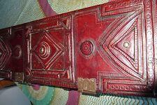 grand coffre touareg en cuir teinté artisanalement mi-XXème
