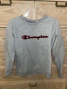 Women's Champion Embroidered Logo Gray Crewneck Sweatshirt Size S Small EUC