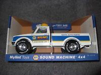 Vintage Napa Auto Parts Truck Sound Machine 4X4 Sealed to Box Nylint Toys