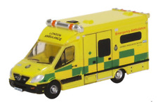 Oxford Diecast NMA002 Mercedes Ambulance London N Gauge