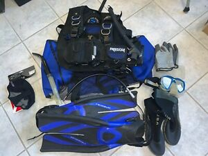 Sherwood Freedom Scuba Diving BCD Bouyancy Compensator Med with other gear bag.