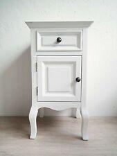 Nachtkästchen Nachttisch Nachtschrank Kommode– weiß wirkt alt – Holz / MDF