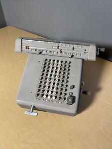 Vintage Monroe Educator Calculating / Adding Machine LNE-140 Made In Holland