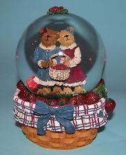 "Boyds Bears #270615 ""Lauren & Jan.Strawberry Frineds"" Water globe Nib 2004"