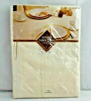 """Bardwil Round Tablecloth 70"""" Brilliant Holiday Ivory & Gold Metallic"""