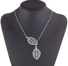 Idée cadeau Saint Valentin, collier chaine argentée , pendentif  double feuilles