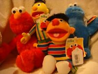 Sesame Street set of 4 Elmo, Cookie Monster Bert and Ernie 9inch plush
