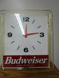 Vintage Budweiser Light Up Bar Clock Sign
