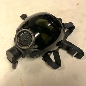 MSA Millennium CBRN Riot Control Mask Respirator w/ Tinted Lens Cover Size Med