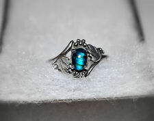 BEAUTIFUL .925 Sterling Silver Leaves & Shimmering Blue Paua Shell Ring ~ Size 8