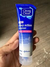 Clean and Clear Deep Action Rice Extract Oil Control Facial Cleanser 100 g.