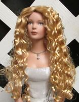 """DOLL Wig, Monique """"Christine"""" Size 8/9 in Golden Strawberry BLONDE"""