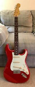2011 Squier Classic Vibe 60s Stratocaster Candy Apple Red