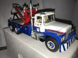 First Gear Mack R-Model Tow Truck US POSTAL 1:34 Scale