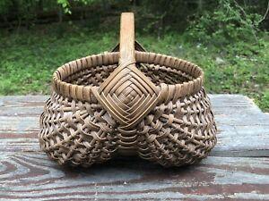 Vintage Split Oak Egg Gathering Buttocks Basket With Gods Eyes 8 X 11