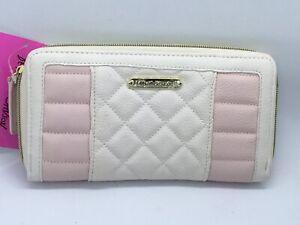 Betsey Johnson Zipper Closure Zip Around Diamond Center Quilt Woman's Wallet New