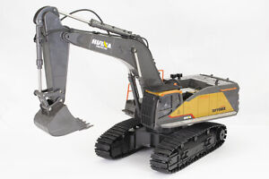 Large 1/14th Scale 22 Channel RC Excavator with Metal Bucket, Lights & Sound