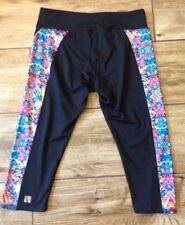 LuLaRoe Jade Capri Leggings Black Geometric Print Side Detail Size Large Mint!