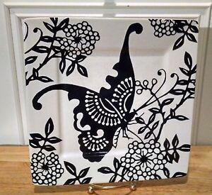 """222 FIFTH AVENUE KIRIGAMI SQUARE PLATES.  WHITE WITH BLACK BUTTERFLY 8.25"""""""