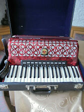 Akkordeon,Ziehharmonika,Hohner,Standard Royal,im Org.Koffer,120 Bässe,Nachlass