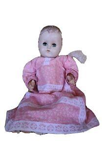 Antique Arranbe R&B Baby Doll Original Dress Sleepy Eyes which  Damage finger?