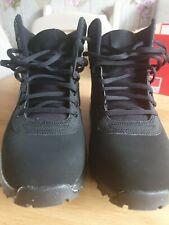 Botas para hombre Nike manoadome Size UK 9 Nuevo
