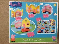 Peppa Pig treats Playset, buildings Road, car figures. table chairs
