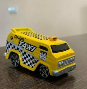 Maisto Vantasy Cruisin Yellow Taxi Diecast model 1:64