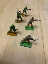 Britain's LTD - 1971 - WW2 Figurine Soldiers - Lot of 5