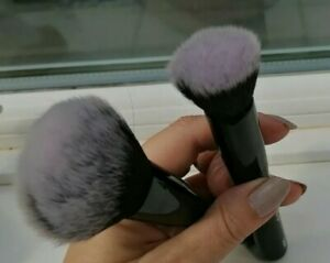 StylPro Set of Two Make-Up Brushes - 1 x Stippling (S101) / 1 x Powder (S102)