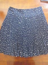 NWOT ANN TAYLOR POLKA DOT KNIFE PLEAT SKIRT SIZE 6 NAVY & OFF WHITE NEW