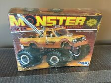 MPC DATSUN MONSTER TRUCK 1/25 4X4 TOW WRECKER 1/25 Model Car Mountain