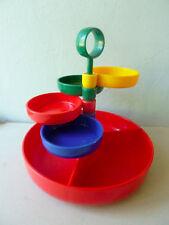 serviteur à apéritif avec ses 4 coupelles en plastique, 4 couleurs, Emsa ?