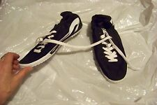 womens everlast black & white fabric lace up tennis shoes size 9