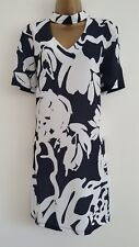 NEW DP Sizes 10-18 Navy & White Floral Island Printed Crepe Shift Dress