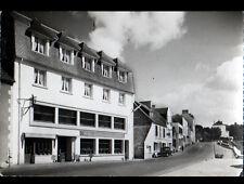 CROZON - MORGAT (29) CITROEN TRACTION aux HOTELS Kador & Les Mouettes en 1966
