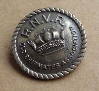 Vintage pin badge, R.N.V.R., 22mm, old shipmates association, good condition.