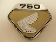 Honda CB 750 Four  K0 Emblem für Seitendeckel links ( suny gold  metallic )