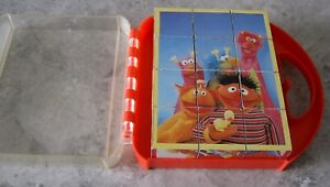 SESAME STREET VINTAGE 12 PIECE CUBE PUZZLE IN CARRY CASE
