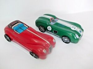2 x EMPTY NOVELTY COLLECTABLE VINTAGE DESIGN RACING/SPORTS CAR TINS RED & GREEN
