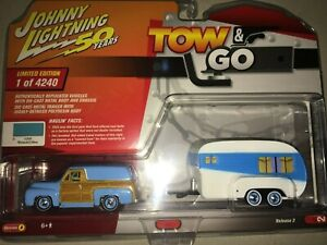 Johnny Lightning TOW & GO Blue 1955 Ford Panel Delivery with Travel Trailer 2019